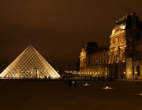 ■安心キレイ!■パリ夜景イルミネーションツアー(パリ市内ホテル送り付)