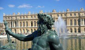 ■プレゼント付!■世界遺産ベルサイユ宮殿とパリの朝市マルシェツアー