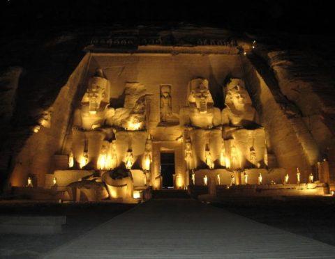 見所たっぷりエジプト周遊!カイロ&ルクソール&アスワン&アブシンベル6日間