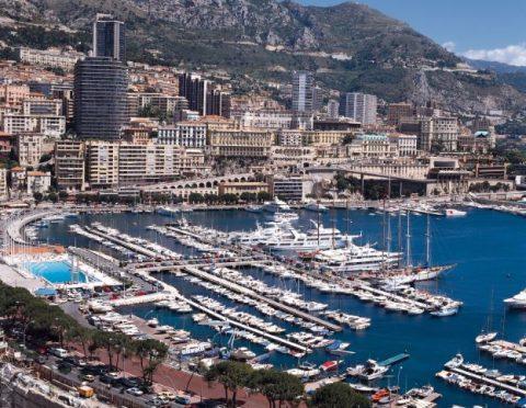 ニースから1日で行く3国巡り:モナコ、フランス(マントン)、イタリア(ドルチェアクア)≪本場イタリア料理の昼食付き≫