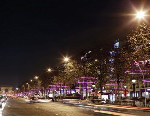 パリ市内クリスマスイルミネーションツアー(パリ市内ホテルお送り付)